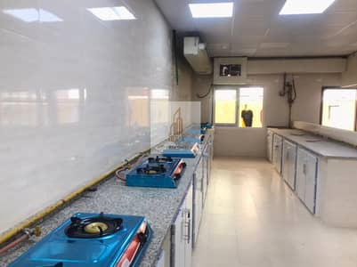 Labour Camp for Rent in Al Quoz, Dubai - Beautiful Camp with new kitchen and toilets only for staff