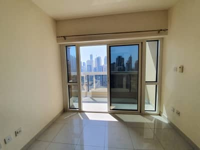 1 Bedroom Apartment for Sale in Jumeirah Lake Towers (JLT), Dubai - Vacant|Next to the Park and Metro|High Floor| 1 bedroom converted in 2 bedrooms | S. price 650k