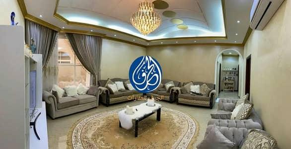 فیلا 5 غرف نوم للبيع في المويهات، عجمان - فيلا للبيع بعجمان بالكهرباء والميا علي شارع قار تملك حر لكافة الجنسيات