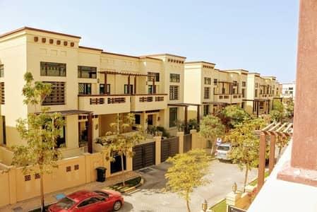 فیلا 5 غرف نوم للبيع في المقطع، أبوظبي - Huge 5 BR villa with a Private Pool !