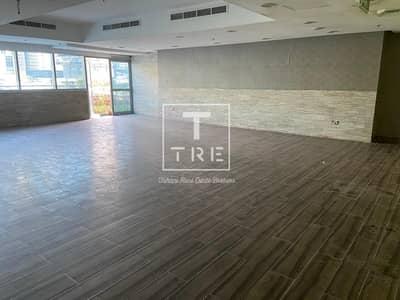 محل تجاري  للايجار في دبي مارينا، دبي - amaizing shop 2 floor plus terrace available in marina walk