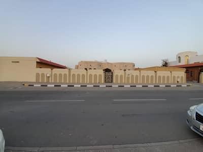 For sale villa in Tarfa \ Sharjah