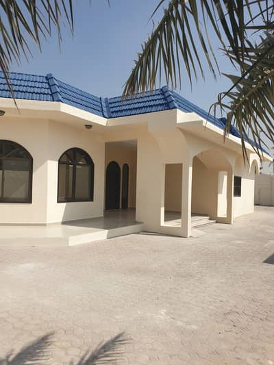  Villa for rent in Al Khuzama near public park  75k **Newly Renovated**