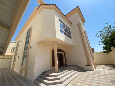 4 Bedroom Villa for Sale in Al Hamidiyah, Ajman - For sale villa, super deluxe finishes, with water and electricity + fully central air conditioning, a great location