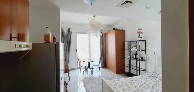 استوديو  للايجار في مدينة دبي للإنتاج، دبي - شقة في برج ليك سايد B ليك سايد مدينة دبي للإنتاج 22000 درهم - 5202583