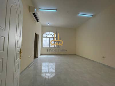 4 Bedroom Villa for Rent in Mohammed Bin Zayed City, Abu Dhabi - Excellent 4BDR with Private Entrance/ Good Priced
