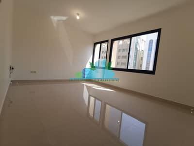 شقة 2 غرفة نوم للايجار في المرور، أبوظبي - Large bedroom|Modern Glossy tiled|Balcony|4 payments| Near Mushrift