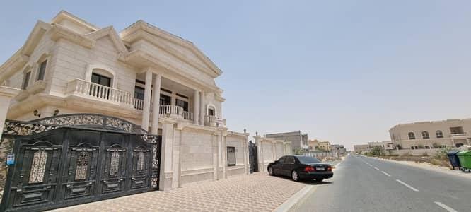 فیلا 5 غرف نوم للبيع في حوشي، الشارقة - فیلا في حوشي 5 غرف 3800000 درهم - 5204001