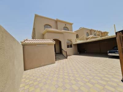 فیلا 7 غرف نوم للبيع في المويهات، عجمان - فيلا بتصميم حديث طراز عربي في عجمان تشطيب داخلي جيد جدا مساحه 5000 قدم