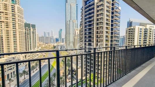 3 Bedroom Flat for Rent in Downtown Dubai, Dubai - Stunning View /  Modern / Maids room