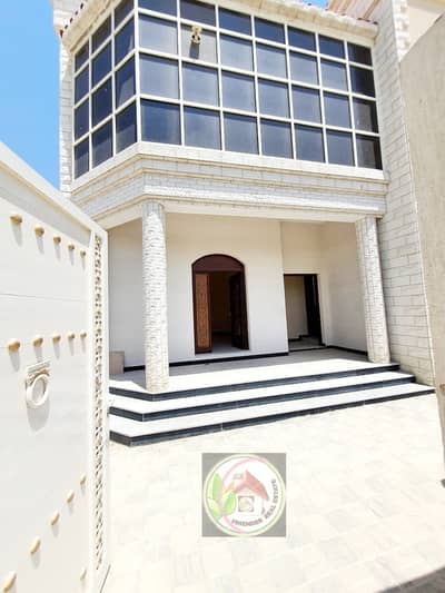 فیلا 5 غرف نوم للبيع في المويهات، عجمان - تتميز الفيلا بتصميم حديث للغاية والتشطيب أكثر من رائع ، تمليك حر لجميع الجنسيات مباشرة من المالك بجوار جميع الخدمات باقل فايده بنكيه