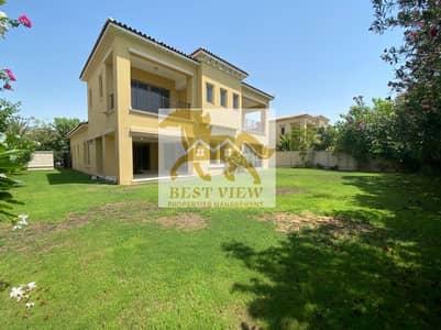 4 Bedroom Villa for Rent in Saadiyat Island, Abu Dhabi - Spacious Villa 6 Bedrooms with 3 Bigger living rooms.