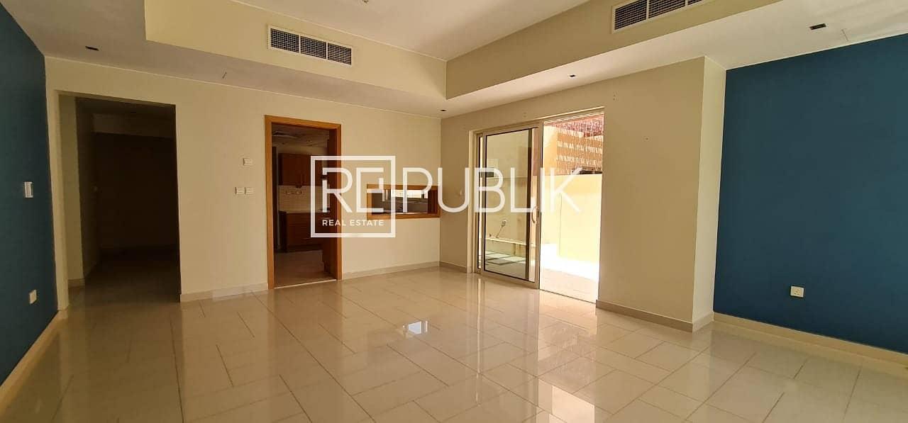2 Luxurious 5 BR Deluxe Villa in Beautiful Community
