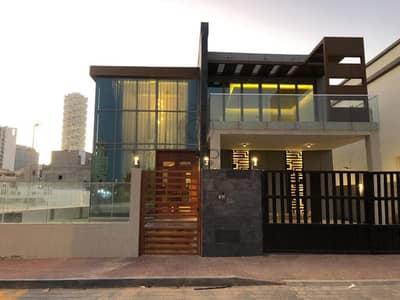 فیلا 5 غرف نوم للبيع في البرشاء، دبي - A Luxurious Villa for Sale