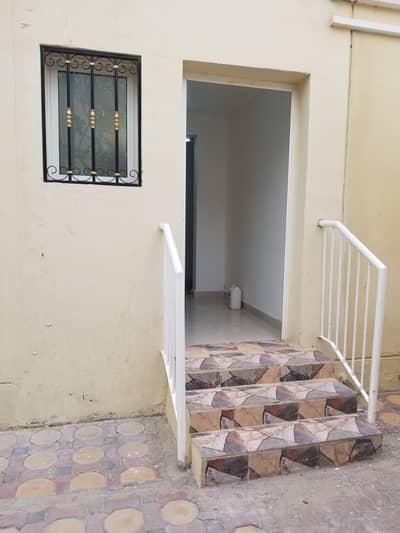 استوديو  للايجار في مدينة الفلاح، أبوظبي - شقة في مدينة الفلاح 16800 درهم - 5208901