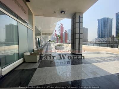 محل تجاري  للايجار في الخليج التجاري، دبي - محل تجاري في برج ماجيستك الخليج التجاري 165000 درهم - 5186719