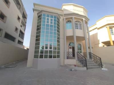 فیلا 5 غرف نوم للبيع في المويهات، عجمان - فيلا للبيع في المويهات3 كهرباء وماء تاني قطعه من الشارع الجاربسعر لقطه