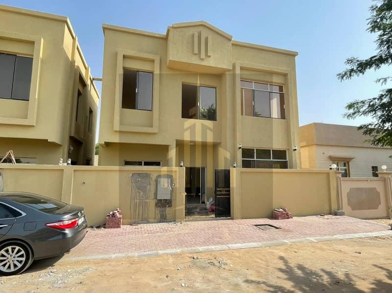 فيلا ديلوكس سكنية جديدة تمامًا متوفرة للإيجار 4 غرف صالة في الحميدية 2 عجمان للإيجار 55000 درهم إماراتي / - سنويًا