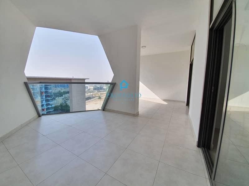 Pool & Villas views  I Beautiful I Vacant I Lovely Terrace I High floor