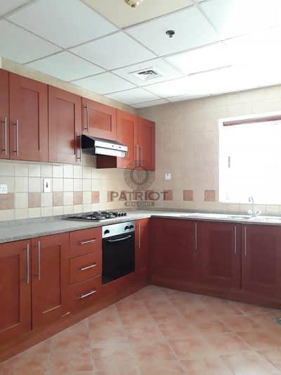 فلیٹ 3 غرف نوم للايجار في برشا هايتس (تيكوم)، دبي - Very Spacious and Bright Unit In Town ! Free Chiller