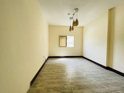 فلیٹ 1 غرفة نوم للايجار في مويلح، الشارقة - Luxury 1bedroom hall with 2 full washroom behind Sharjah cooperative society  in University Area Muwaileh
