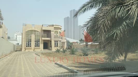 5 Bedroom Villa for Rent in Al Zakher, Al Ain - Featuring Huge Yard located at Prime Location