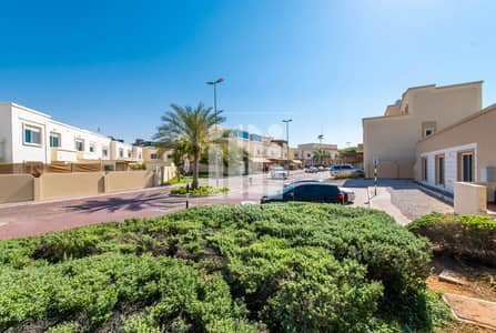 فیلا 2 غرفة نوم للبيع في الريف، أبوظبي - Great ! Ready to live in 2 Br  w Private Garden .