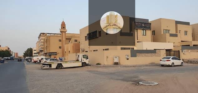 Villa for rent in Ajman Al Rawda  two floors  5 rooms, board, hall, monster