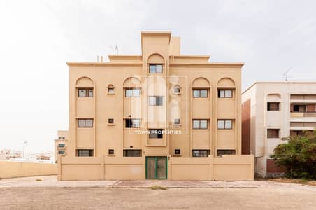 Villa for Rent in Al Manaseer, Abu Dhabi - VACANT!READY TO MOVE IN PARTLY FURNISHED UNIT