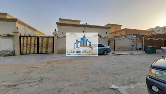 4 Bedroom Villa for Rent in Al Mowaihat, Ajman - BEAUTIFUL VILLA 3 BEDROOMS HALL MAJLIS OUT SIDE 1 MAJLIS