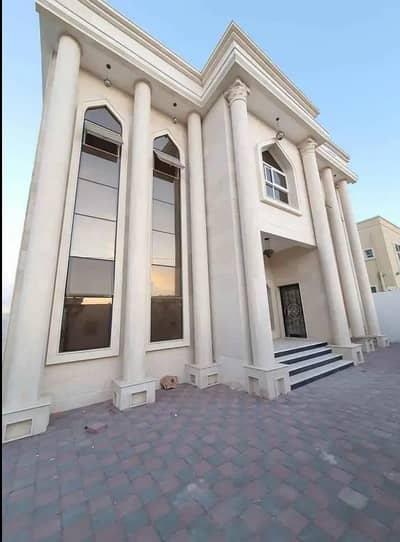 * Villa for rent, very clean, an area of 5000 sq. ft. at a masterpiece price *
