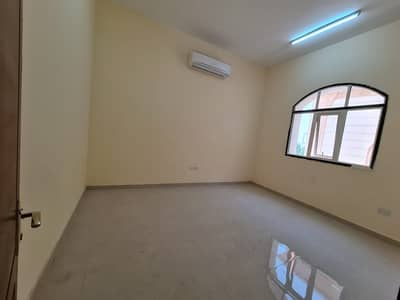 شقة 3 غرف نوم للايجار في بني ياس، أبوظبي - شقة في بني ياس شرق بني ياس 3 غرف 65000 درهم - 5220024