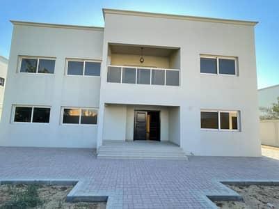 فیلا 5 غرف نوم للايجار في براشي، الشارقة - فیلا في براشي 5 غرف 120000 درهم - 5220879