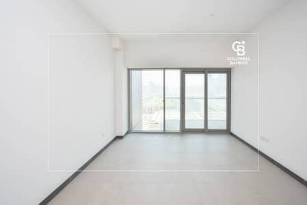 1 Bedroom Flat for Rent in The Greens, Dubai - Ready 1 BR apartment on SZR - Permit# 4536