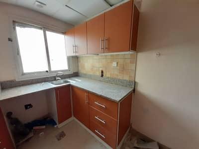 Lavish studio apartment near bus station in just 10k
