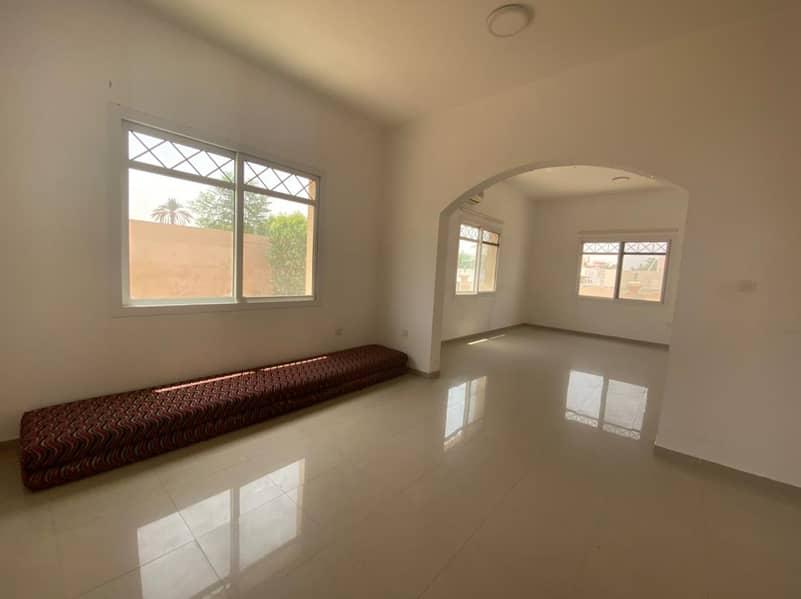Spacious 4 bedroom Villa in Al Tharfa