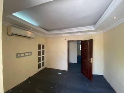Annex for rent in Ajman Al Hamidiya 1  behind economic development  It cons
