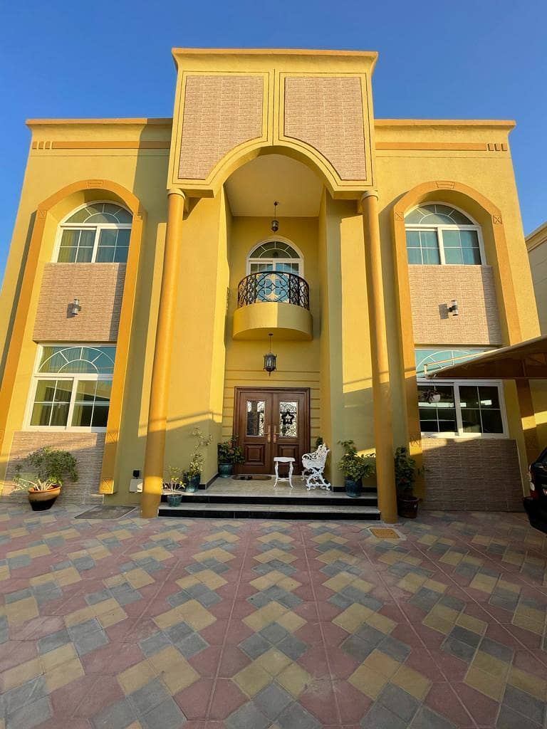 Villa For Sale 4 Bedroom hall  majilis / Only 3 years old