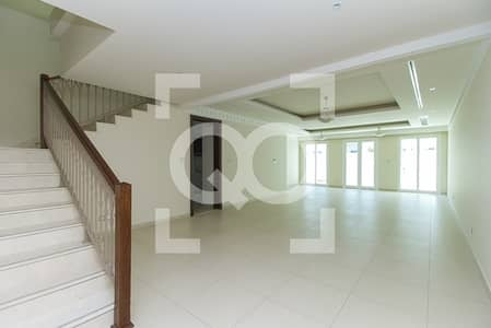 4 Bedroom Villa for Rent in Jumeirah, Dubai - A month FREE   walking distance to the Club house