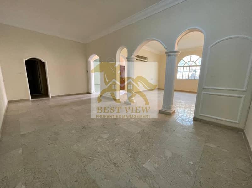 Spacious Villa 6 Masters  Bedrooms with nice Location .