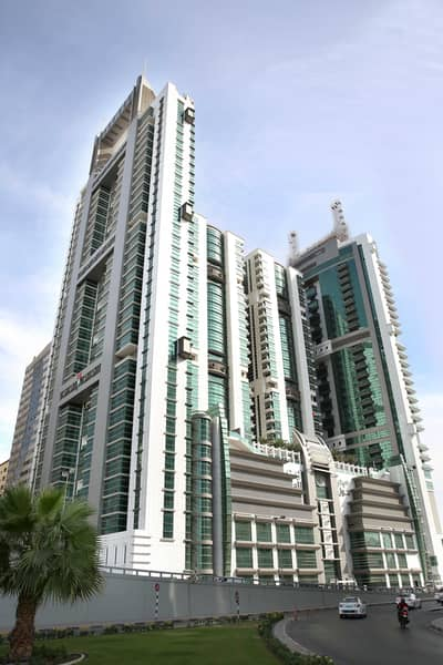 فلیٹ 3 غرف نوم للايجار في القاسمية، الشارقة - 3 غرف و صالة للايجار مباشرة من المالك بدون عموله / شهر مجانا