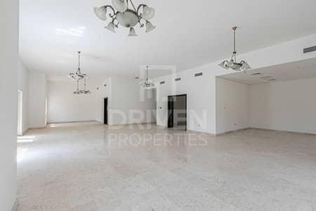 6 Bedroom Villa for Sale in The Villa, Dubai - Spacious Lay out   Corner and Single Row
