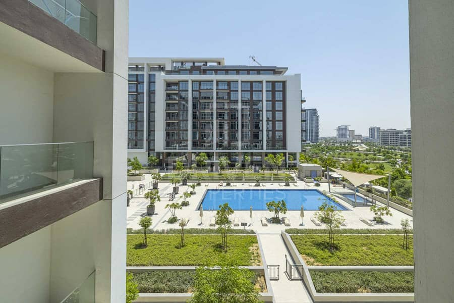 23 Pool & Park View   Vacant   Modern Layout