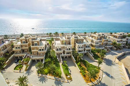 3 Bedroom Flat for Sale in Palm Jumeirah, Dubai - Huge Unit and Well-kept w/ Full Sea View