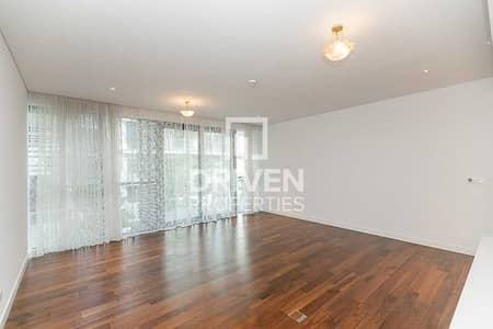 2 Bedroom Flat for Sale in Jumeirah, Dubai - Direct with Landlord | Pay 5% and move-in