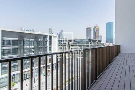 2 Bedroom Apartment for Sale in Jumeirah, Dubai - Side boulevard   Beautiful and open view