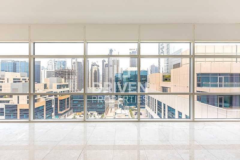 13 Elegant Studio Apartment in Business Bay