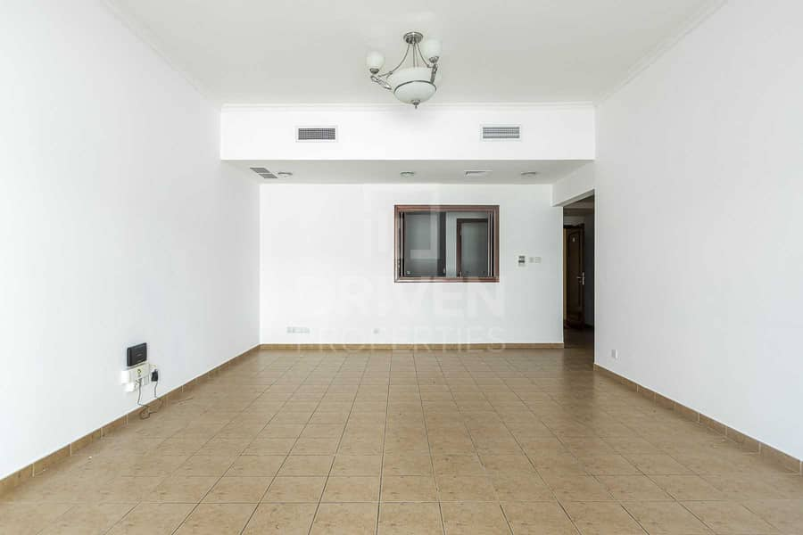 Spacious Apt | Terrace | with Maids Room