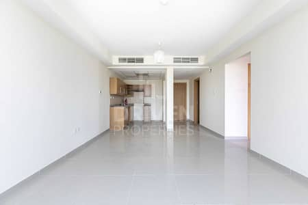 فلیٹ 2 غرفة نوم للبيع في مثلث قرية الجميرا (JVT)، دبي - Fully Upgraded and Huge Apartment in JVC
