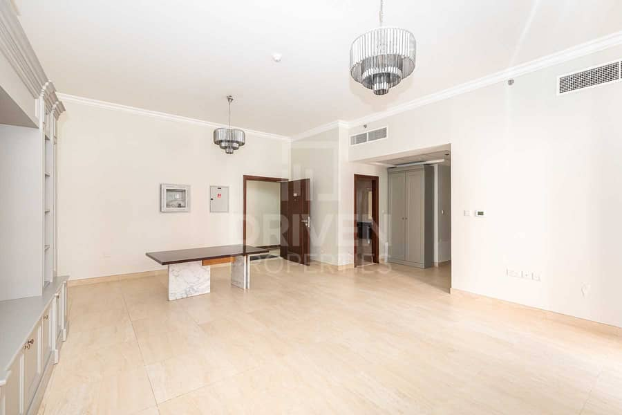 2 Best Deal | Vacant w/ Amazing Pool Views